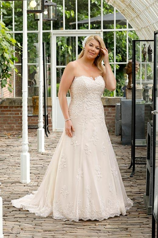 Curvy Bride 018 Hochzeitshaus Struck