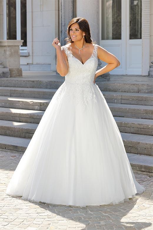 Curvy Bride 047 Hochzeitshaus Struck