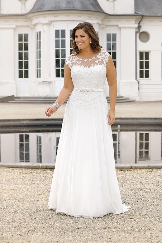 Curvy Bride-054
