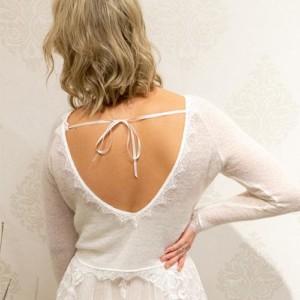 Brautpullover mit Rückenausschnitt und Spitze