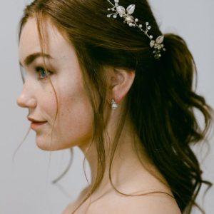 Haarranke mit Blätter und Blüten