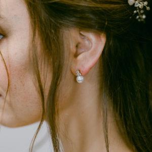 Ohrstecker mit Perle und Swarovskikristallen in Roségold
